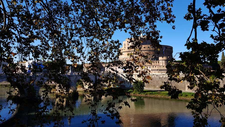 Roma gidilmesi gerekli yerler Sant'Angelo Kalesi Hadrian Mozolesi - Rome Castel Sant Angelo or Hadrian Mausoleum photos