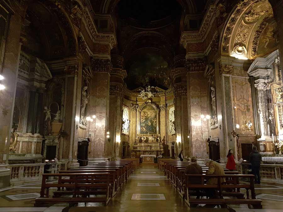 Roma kiliseleri Magdalalı Meryem Kilisesi içi - Rome Church of Santa Maria Maddalena interrior (Chiesa di Santa Maria Maddalena)