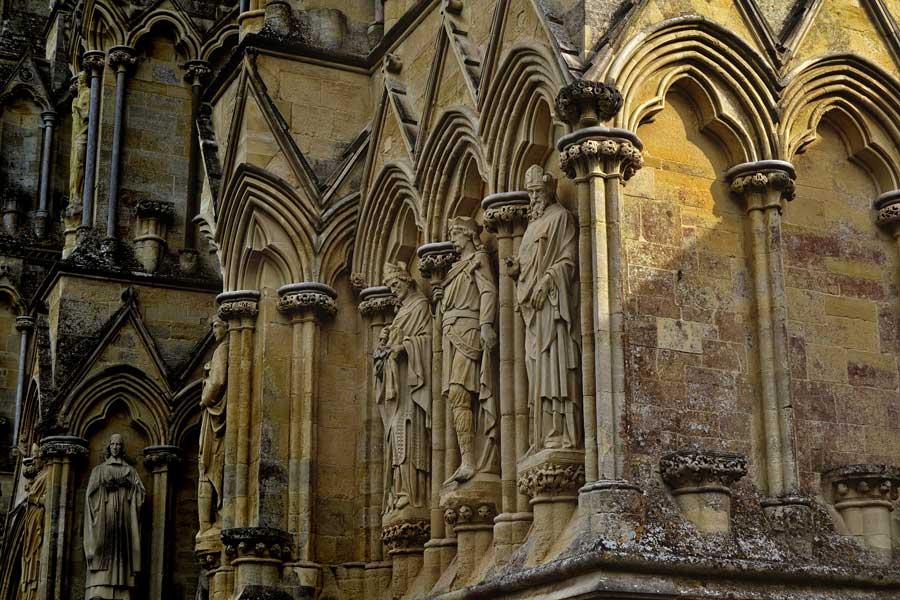 Salisbury Katedrali fotoğrafları cephe heykelleri - Sculptures of the Salisbury Cathedral