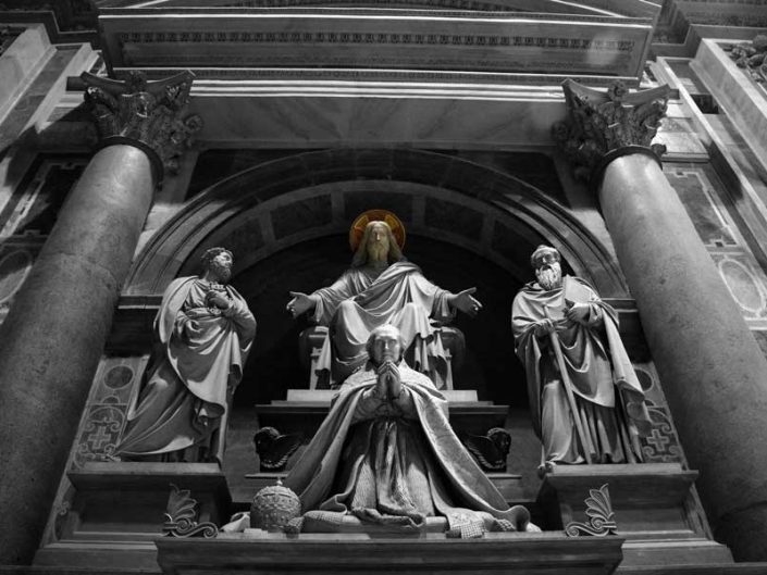 San Pietro Bazilikası veya Aziz Petrus Bazilikası fotoğrafları heykeller - Rome Vatican statues of St. Peter's Basilica (Basilica di San Pietro)