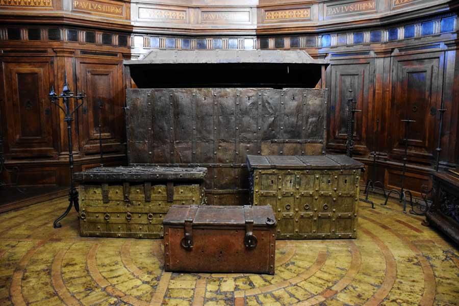 Sant'Angelo Kalesi fotoğrafları hazine odası - Rome Castel Sant Angelo rreasure room