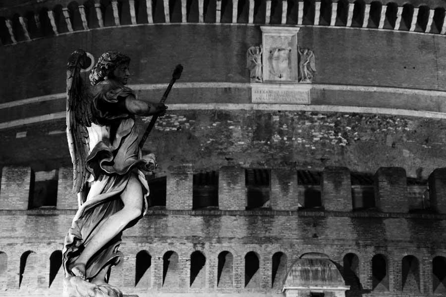 Sant'Angelo Kalesi ve Melekler köprüsü heykeli - Rome Angels bridge's statue and Castle Sant Angelo
