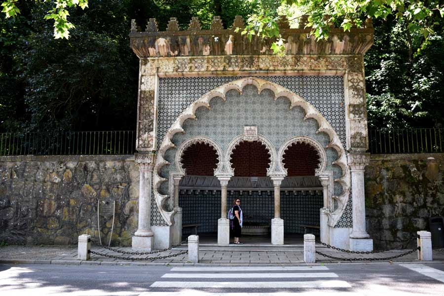 Sintra Mağribi çeşmesi - Portugal Sintra Moorish Fountain