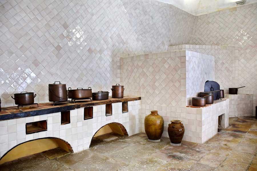 Sintra Ulusal Sarayı fotoğrafları tarihi mutfak - National Palace of Sintra (Palácio Nacional de Sintra) kitchen