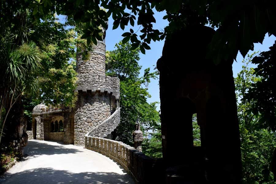 Sintra gezilecek yerler Quinta da Regaleira fotoğrafları Regaleira Kulesi - Quinta da Regaleira Garden Regaleira Tower