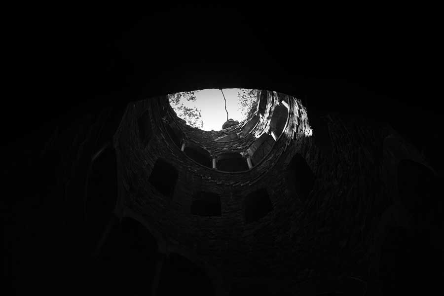 Sintra gezilecek yerler Ters kule fotoğrafları - Sintra initiatic well Reverse Tower (Quinta da Regaleira)