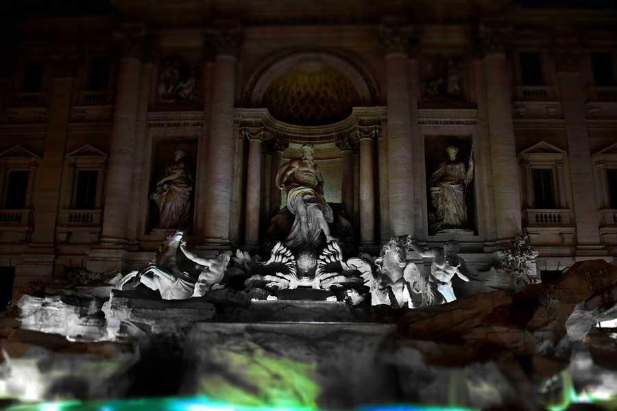 Trevi çeşmesi fotoğrafları - Trevi fountain and statues photos
