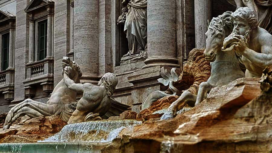 Trevi çeşmesi heykelleri fotoğrafları - Rome Trevi fountain and statues