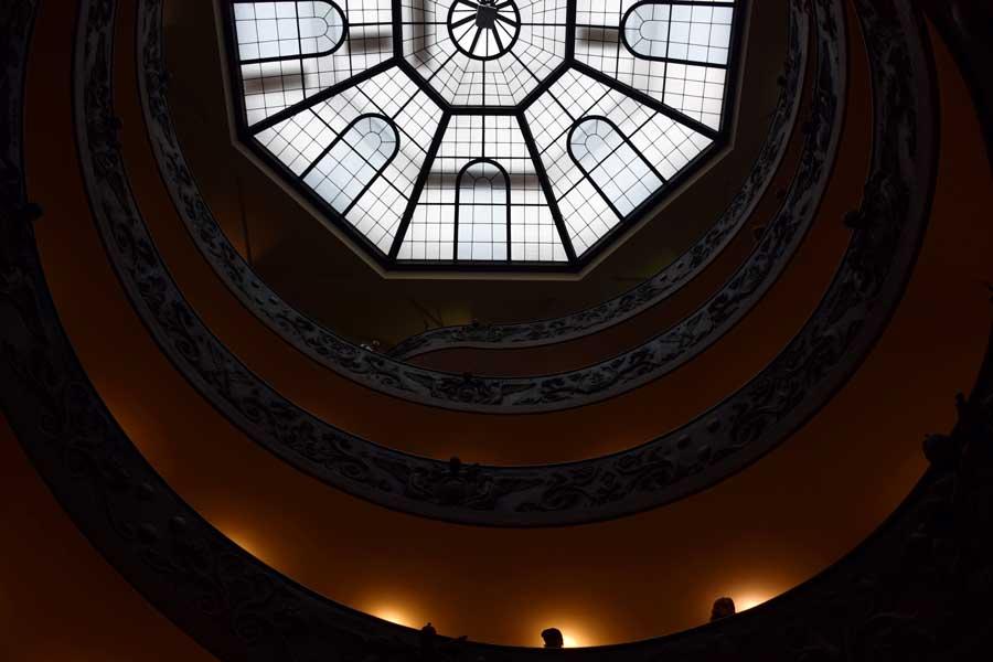 Vatikan müzeleri Giuseppe Momo spiral merdiveni - Vatican museums Giuseppe Momo spiral staircase