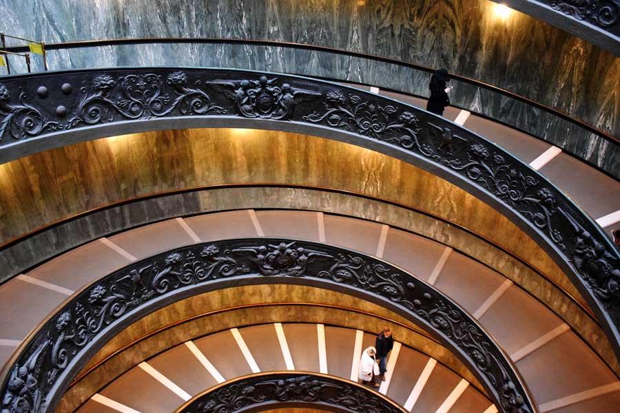 Vatikan müzeleri Giuseppe Momo'nun yaptığı spiral merdiven - Vatican museum Giuseppe Momo's spiral staircase
