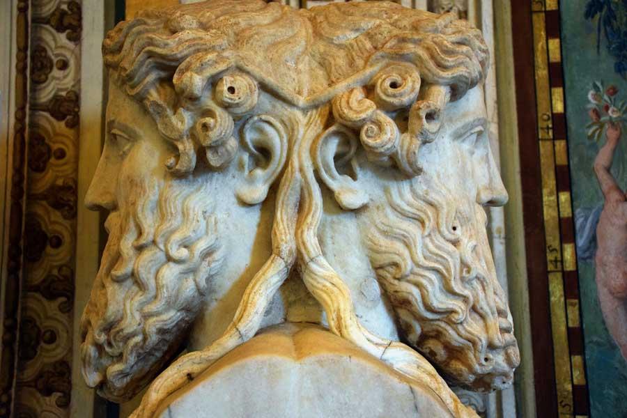 Vatikan müzeleri heykelleri iki yüzlü Janus heykeli (Roma tanrısı) - Statue representing Janus Bifrons in the Vatican Museums