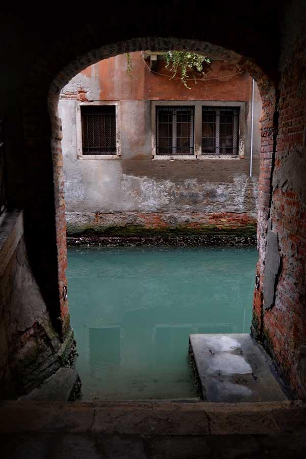 Venedik San Marco bölgesi Rio de la Verona kanalı La Fenice - Venice San Marco region Rio de la Verona canal La Fenice