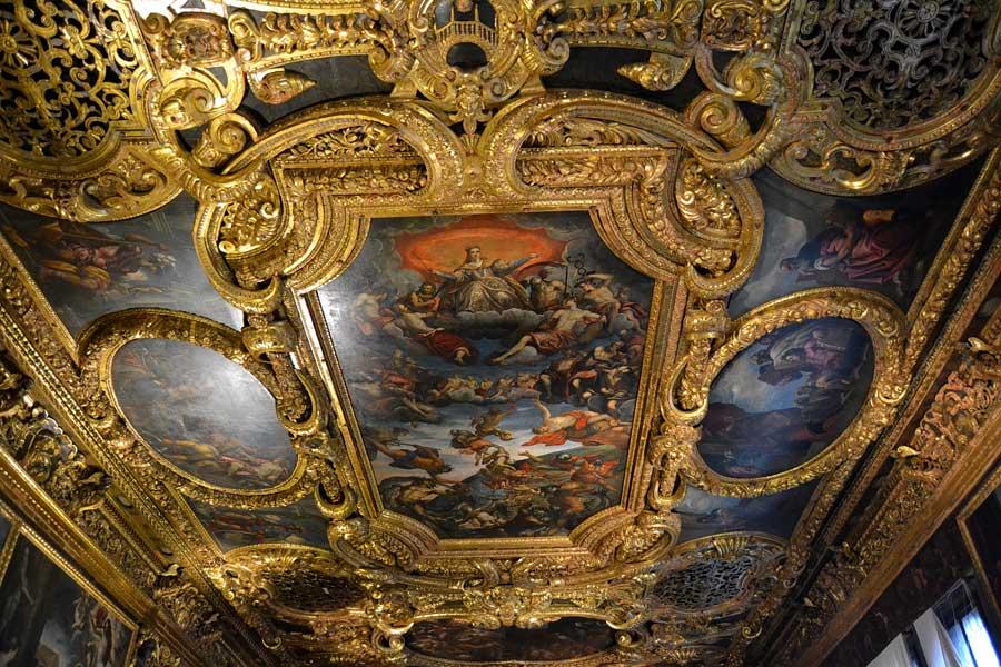 Venedik fotoğrafları Doçlar Sarayı Büyük Konsül Salonu tavan süslemeleri - Venice Palazzo Ducale Chamber of the Great Council ceiling decorations