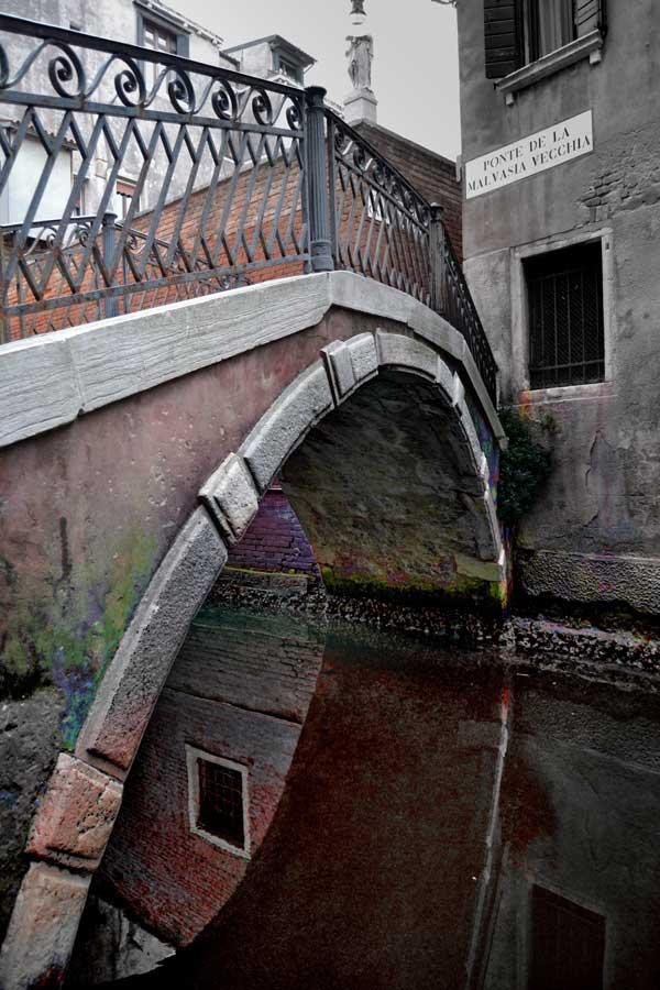 Venedik fotoğrafları San Marco bölgesi Malvasia Vecchia köprüsü, La Fenice - Venice San Marco region Ponte de la Malvasia Vecchia Malvasia Vecchia Bridge La Fenice