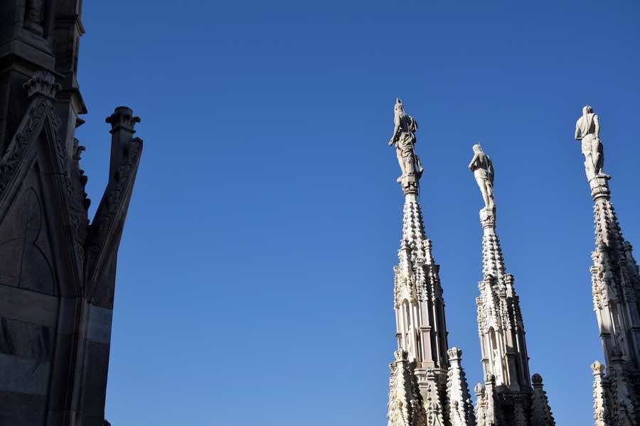Milano gezilecek yerler Duomo di Milano çatı heykelleri - Duomo di Milano roof pinnacle sculptures photos