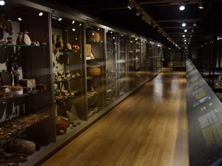 Torino Mısır müzesi arkeolojik buluntular salonu - Italy Turin Egyptian Museum archaeological findings section