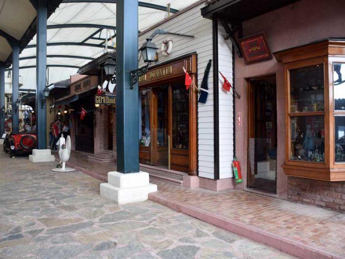 İstanbul Rahmi Koç Müzesi tarihi sokak canlandırması - İstanbul Rahmi M. Koc Museum historical street and shops