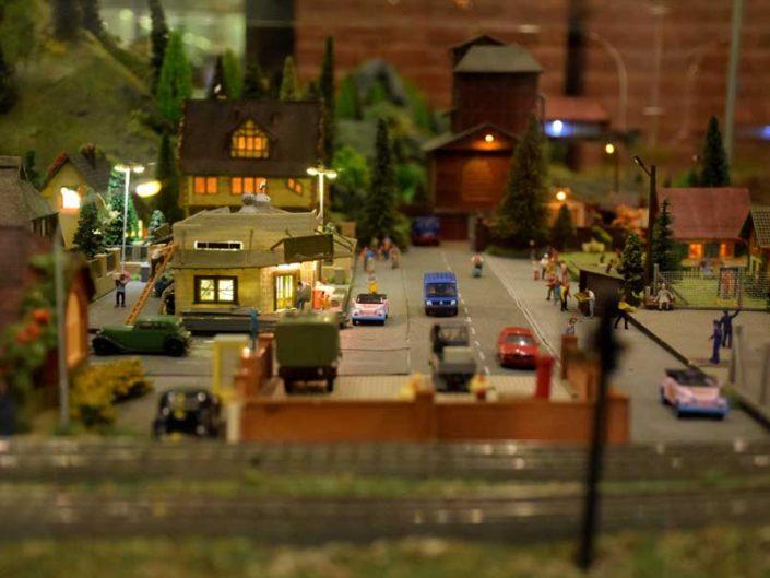 Rahmi Koç Müzesi Zeki Alasya dioraması - details of the Zeki Alasya's train and village diorama