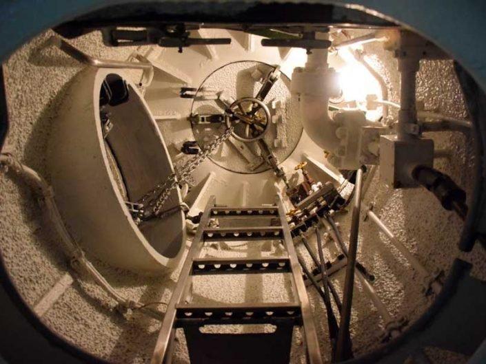 Rahmi M. Koç Müzesi TCG Uluçalireis denizaltısı içi - Rahmi Koc Museum interior of the TCG Uluçalireis submarine