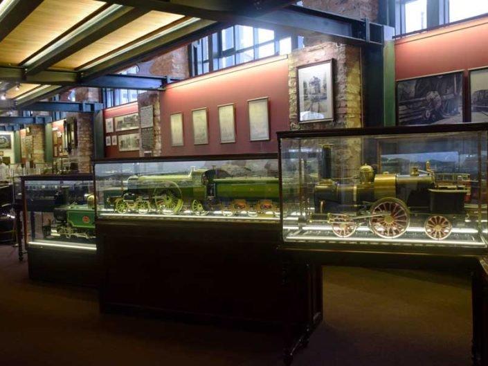 Rahmi M. Koç Müzesi fotoğrafları tarihi lokomotif ve tren modelleri salonu - Rahmi M. Koc Museum historic locomotive and train models hall