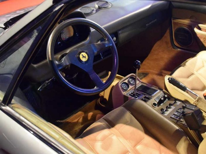 Torino Otomobil Müzesi 1982 model Ferrari 208 GTB Turbo içi - Turin Automobile Museum 1982 interior of the Ferrari 208 GTB Turbo (Museo Nazionale dell'Automobile)
