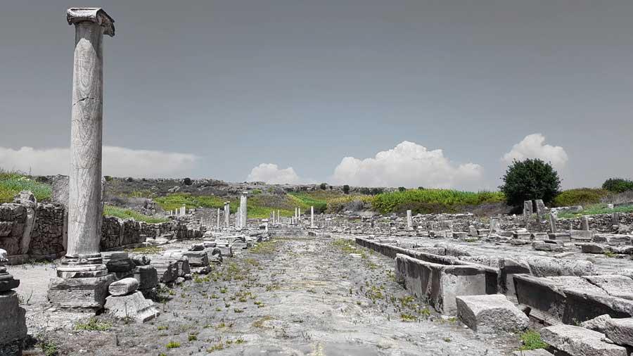 Antalya gezilecek yerler Perge antik kenti sütunlu ana cadde - Perge ancient city, columned main street