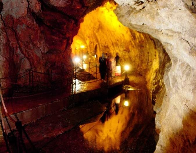 Dupnisa mağarası yer altı deresi - Dupnisa cave underground flow