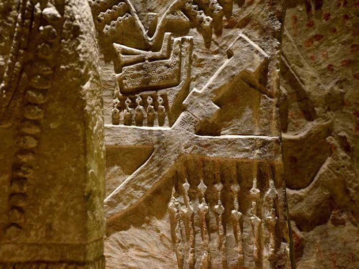 Mardin Müzesi Göçebe mezar taşları Cizre MS 11-20. yy - Mardin Museum Nomadic gravestones AD 11-20 Century