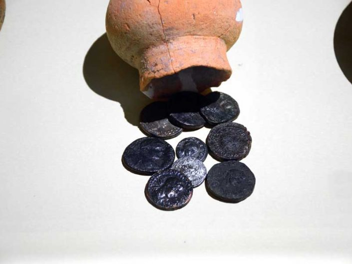 Mardin Müzesi Roma Dönemi bakır ve gümüş sikkeleri - Mardin Museum Roman Period's copper and silver coins