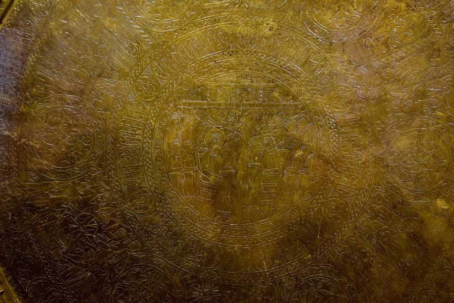 Mardin Müzesi Yaşam Salonu tarihi bakır sini - Mardin Museum Life Hall copper tray