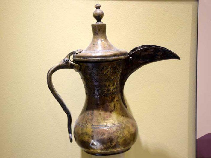 Mardin Müzesi mırra kahvesi cezvesi - Mardin Museum historical coffee pot of the Mırra coffee