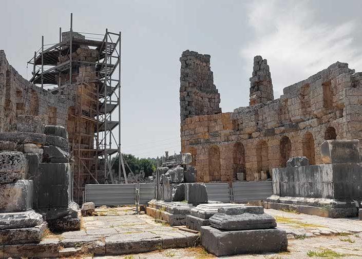 Perge Hadrianus takı - Perge Hadrianus Gate