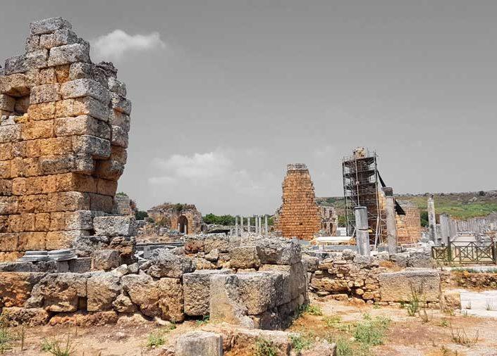 Perge antik kenti fotoğrafları kent kapısı ve Perge Helenistik kuleleleri - Perge ancient city's gate and Hellenistic towers