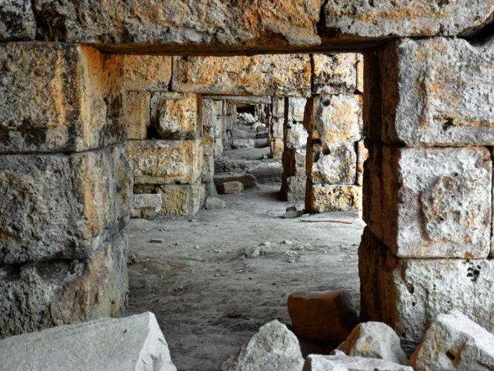 Perge antik kenti stadyum ziyaretçi giriş bölümleri - Perge ancient city stadium entrance sections