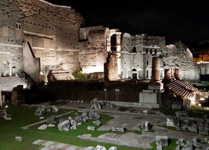 Roma İmparatorluk Forumları Augustus forumu ve Nerva Forumu - Imperial Forums Forum of Augustus and forum of Nerva