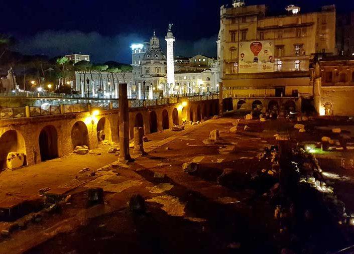 Roma İmparatorluk Forumları Sezar Forumu ve Traianus Sütunu veya Trajan sütunu - Roman Imperial Forums, Forum of Caesar (Viaggio nei Fori) and Trajan's Column