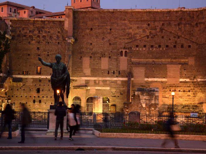 Roma İmparatorluk Forumları ve Augustus heykeli - Roman Imperial Forums and Augustus statue