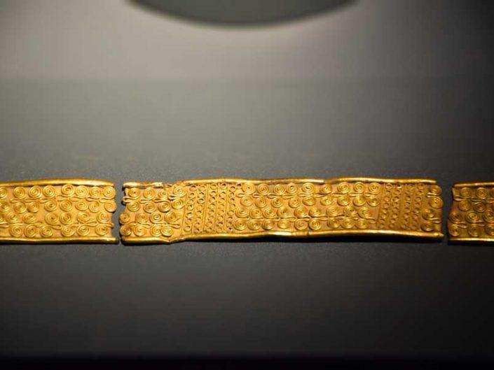 Troya müzesi Troas hazinesi altın bilezik MÖ 3000-2000 - Troy museum Troad treasure gold bracelet 3000-2000 BC