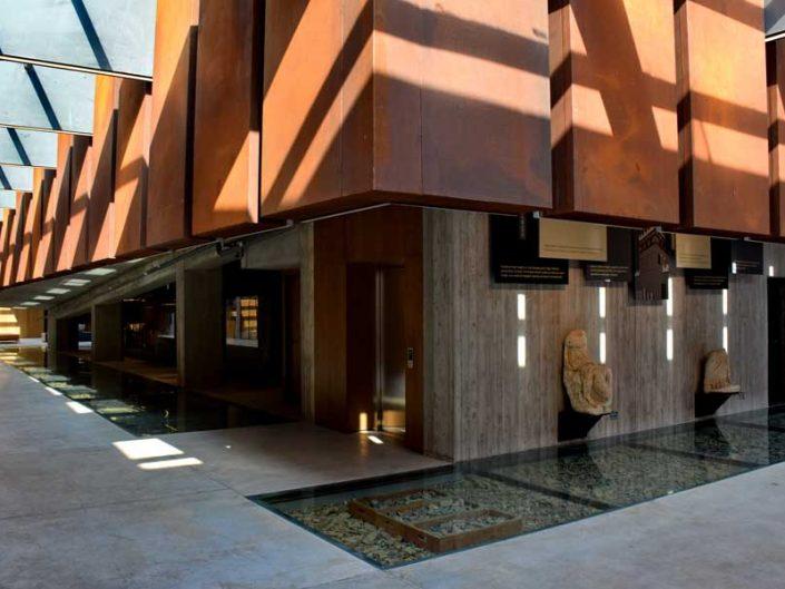 Troya müzesi binası mimari detaylar ve korten kullanımı - Troya museum building architectural details and use of corten