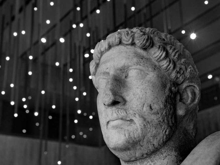 Troya müzesi imparator Hadrian heykeli detayları - Troy museum detail of the emperor Hadrianus statue
