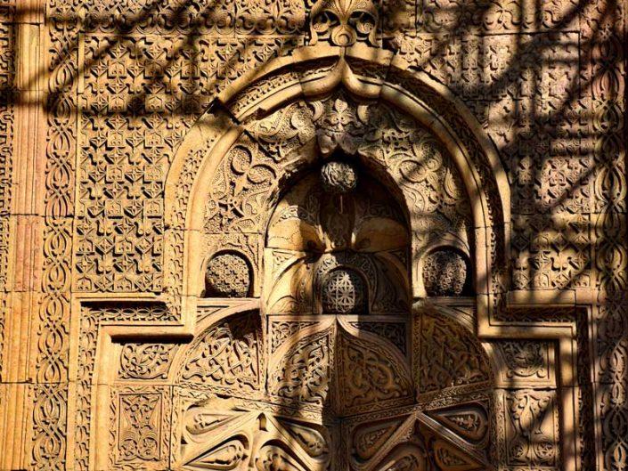 Divriği Ulu Cami Batı kapısı veya Tekstil kapısı bezeme detaları - Divriği Great Mosque West Gate or Textile Gate decoration details