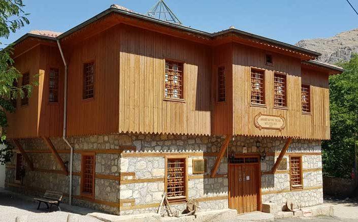 Apçağa köyü Ahmet Kutsi Tecer Kültür Evi ve klasik Türk evi mimarisi - Apçağa village Ahmet Kutsi Tecer Culture House and classical Turkish house architecture
