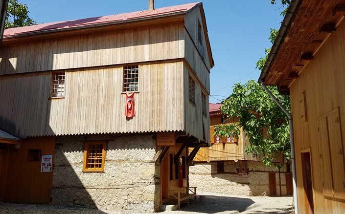 Kemaliye Apçağa köyü klasik köy evi - Kemaliye Apçağa village classic village house