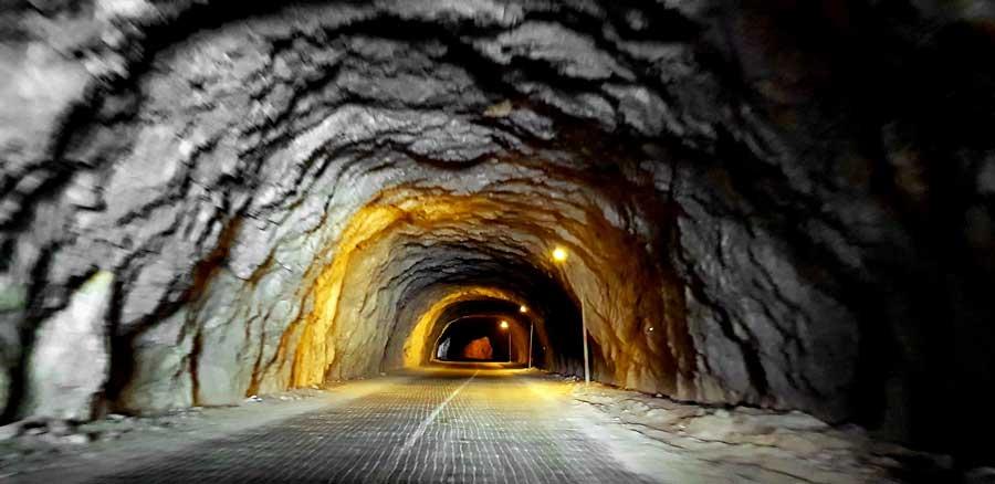 Kemaliye Karanlık Kanyon girişi veya Kemaliyeliler Taşyolu girişi - Kemaliye Dark Canyon entrance or Kemaliyeliler Taşyolu entrance