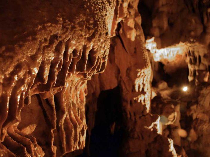 Ballıca mağarası sarkıt oluşumu detayı - Detail of stalactite formation in Ballıca cave
