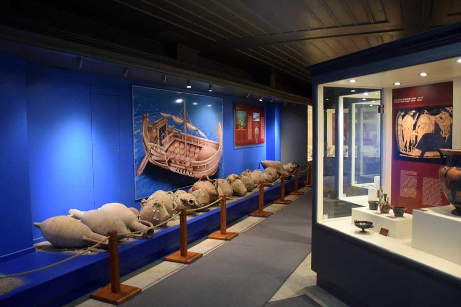 Tekirdağ Arkeoloji ve Etnografya Müzesi Marmara Denizi Amfora batığı 11.yy - Tekirdağ Archeology and Ethnography Museum Marmara Sea, the sunken of the Amphoras 11th Century AD