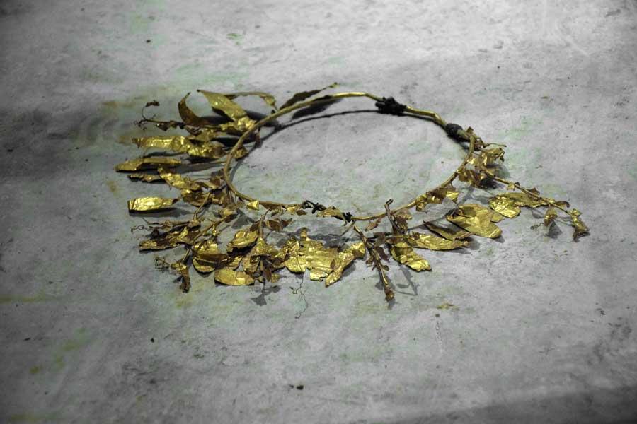 Tekirdağ Arkeoloji ve Etnografya Müzesi altın yapraklı taç Helenistik dönem - Tekirdağ Archeology and Ethnography Museum Hellenistic Period crown with gold leaves