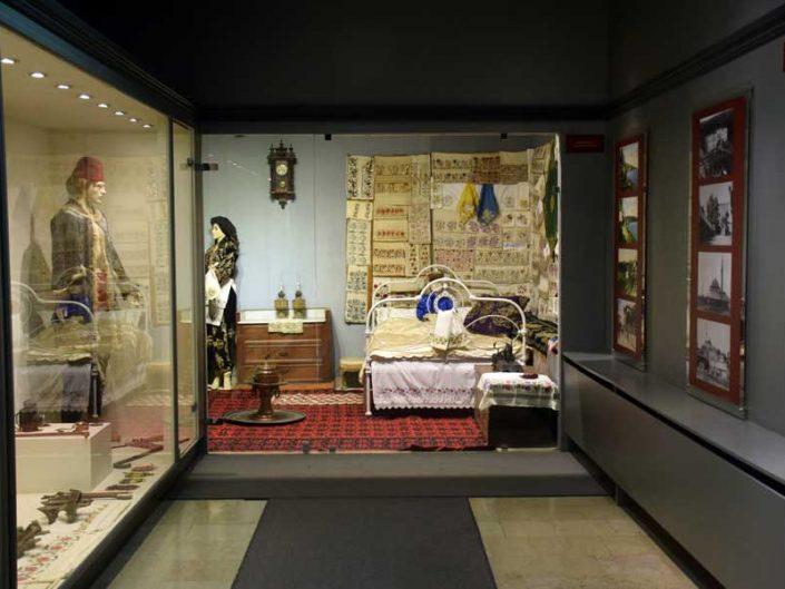 Tekirdağ Arkeoloji ve Etnografya Müzesi yöresel eşyalar ve giysiler - Tekirdağ Archeology and Ethnography Museum local ethnographic items