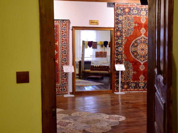 Uşak Halı Kilim Müzesi içi - interor of the Uşak Carpet and Rugs Museum