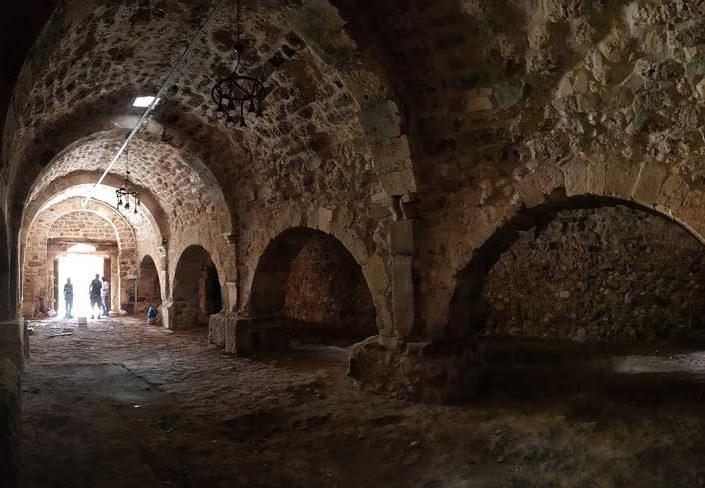 Uşak gezilecek ve tarihi yerler İnay kervansarayı içi - interior of the Inay caravanserai